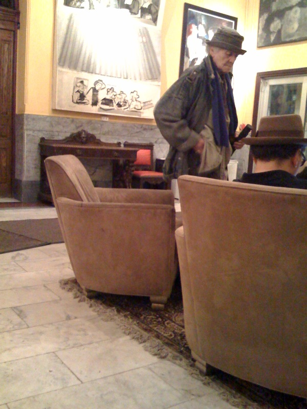 Fotografiada en el hotel Chelsea