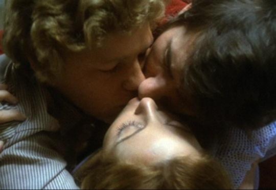 http://www.ca2m.org/es/cine-y-video/sexualidades-en-tiempos-revueltos-cine-domingos
