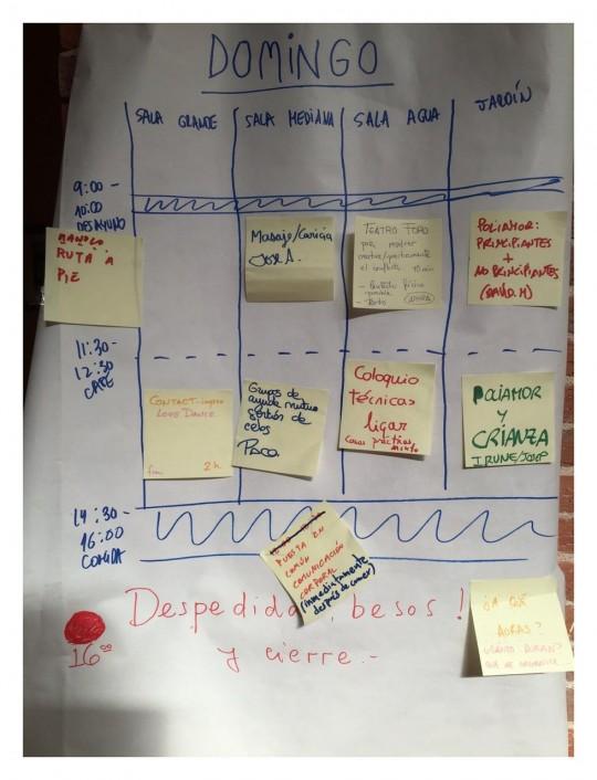 La misma gente que asiste organiza las actividades que se realizan http://www.poliamormadrid.org/posts/20150930-opencon-2015-cronica.html