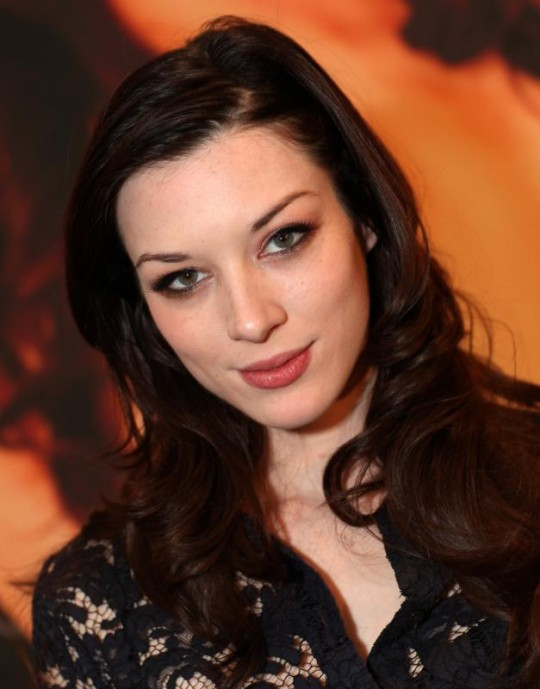 https://commons.wikimedia.org/wiki/Category:Stoya_in_2013#/media/File:Stoya_AEE_2013.jpg
