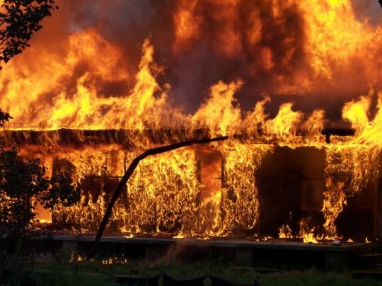 fire_emergency_rescue_firefighting_flame_fireman_danger_burning-943929.jpg!d