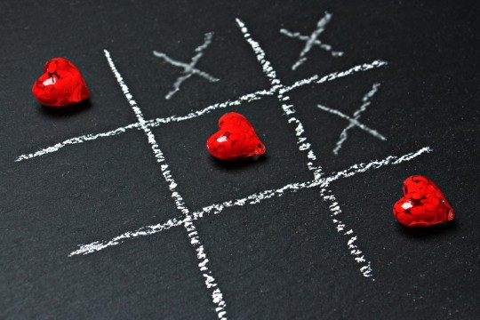 tic_tac_toe_love_heart_play_ankreuzen_strategy_game_two_people_two_people_strategy_game-372665.jpg!d