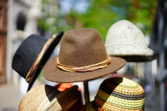hats_fedora_hat_manufacture_stack_music_manufactory_headwear_stacked-712163.jpg!d