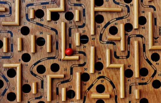 labyrinth_wood_play_ball_red_fun_puzzle_toys-793149.jpg!d