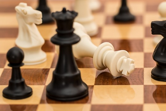 checkmate_chess_resignation_conflict_board_game_strategy_chessboard_competition-588370.jpg!d